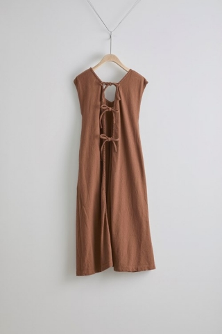 Back ribbon Dress / Brown
